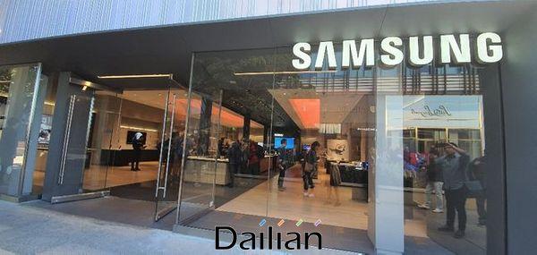 지난 12일(현지시간) 미국 캘리포니아주 팔로알토 스탠퍼드 쇼핑센터에 있는 '삼성 익스피리언스 스토어'의 전경.ⓒ데일리안 김은경 기자