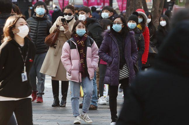 신종 코로나 바이러스 감염증(코로나19)의 발원지인 중국 우한에서 현장 실태를 영상으로 고발해온 시민기자 2명이 차례로 실종된 데 이어 최근에는 시진핑 국가주석을 비판한 저명 교수마저 연락이 두절된 것으로 파악됐다. ⓒ데일리안