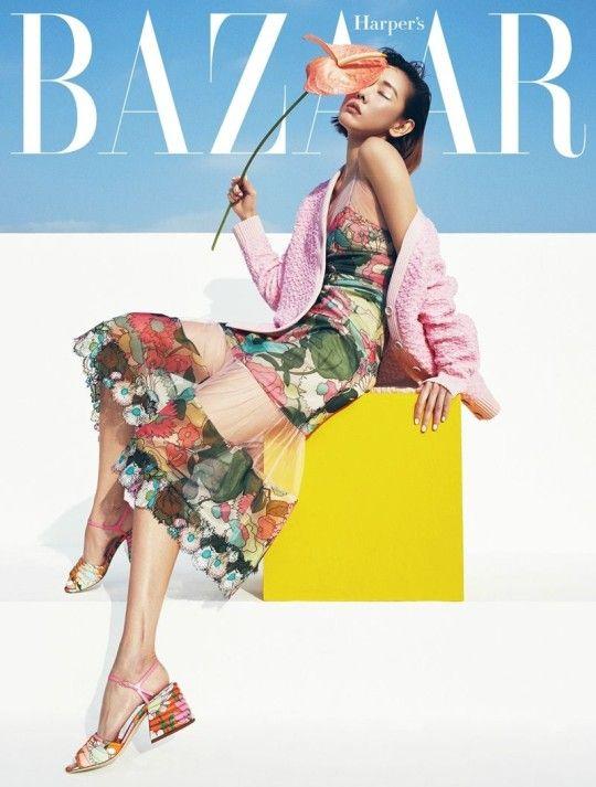 모델 한혜진이 패션 매거진 하퍼스 바자 3월호 표지 모델로 나섰다.프