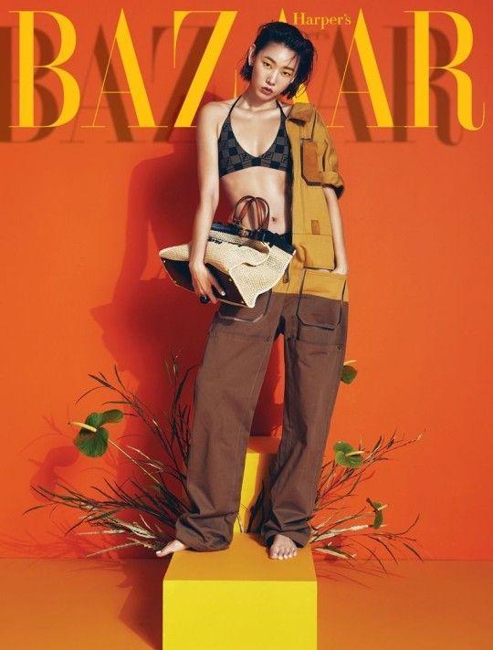 모델 한혜진이 패션 매거진 하퍼스 바자 3월호 표지 모델로 나섰다.ⓒ하퍼스바자
