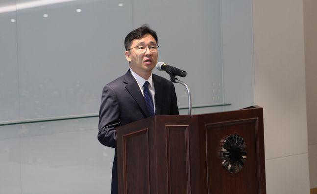 17일 경기도 용인의 GC녹십자R&D센터에서 정재욱 신임 연구소장이 취임사를 하고 있다. ⓒGC녹십자