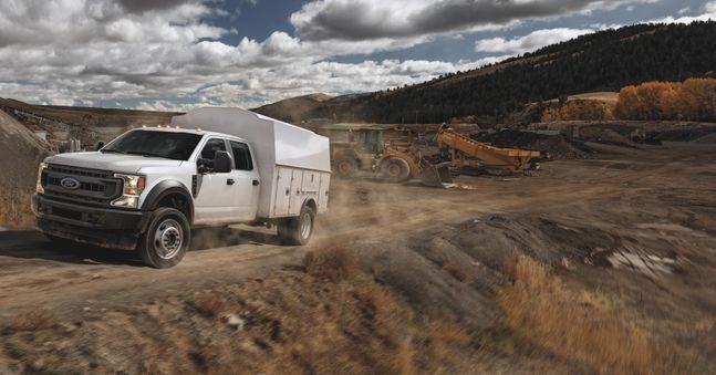 한국타이어앤테크놀로지는 미국 포드의 상용 트럭인 '2020 포드 슈퍼 듀티 섀시 캡(2020 Ford Super Duty Chassis Cab)'의 F450 및 F550 모델에 '스마트 플렉스(SmartFlex)' AH35와 DH35를 신차용 타이어(OET)로 공급한다고 18일 밝혔다.ⓒ한국타이어
