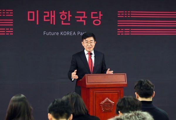 공병호 신임 미래한국당 공천관리위원장이 20일 서울 여의도 국회 의원회관에서 기자회견을 하고 있다. ⓒ뉴시스