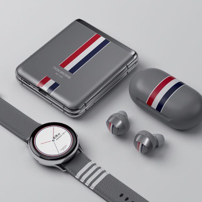 삼성전자 폴더블 스마트폰 '갤럭시Z 플립 톰브라운 에디션'.ⓒ삼성전자
