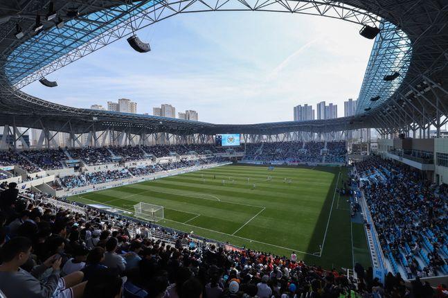 대구FC의 2020시즌 K리그1 홈개막전이 코로나19에 대한 전 국민적인 우려와 확산 방지, 관람객, 선수, 스태프 보호 등을 고려해 연기됐다. ⓒ 대구FC