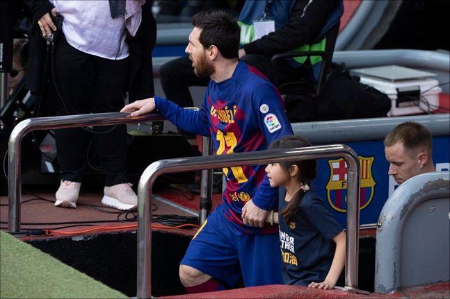 리오넬 메시가 이끄는 FC바르셀로나는 오는 26일 이탈리아 나폴리 원정에 나선다. ⓒ 뉴시스