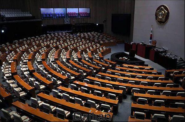 텅 빈 국회 본회의장(자료사진). ⓒ데일리안 박항구 기자