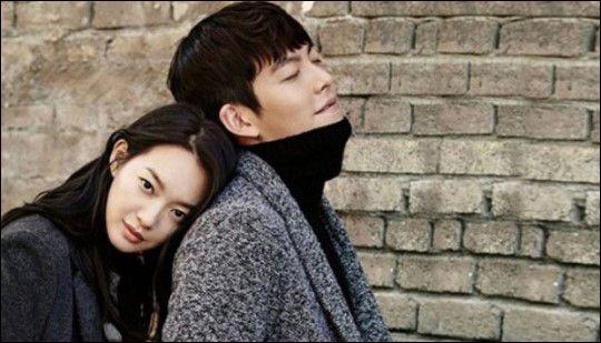 배우 신민아와 김우빈이 코로나19 확산 방지를 위해 각각 1억원을 기부했다. 지오다노 스틸컷.