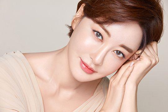 배우 김혜은이 코로나19 극복을 위해 기부금을 쾌척했다. ⓒ 원앤원스타즈