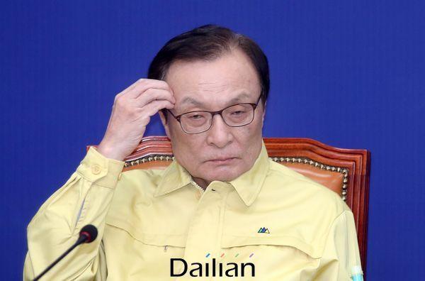 민주당 선거대책위원회에 참석한 이해찬 대표 ⓒ데일리안 박항구 기자