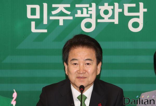 정동영 민주평화당 대표가 지난달 6일 오전 서울 여의도 국회 귀빈식당에서 열린 창당 2주년 기자간담회에서 인사말을 하고 있다. ⓒ데일리안 류영주 기자
