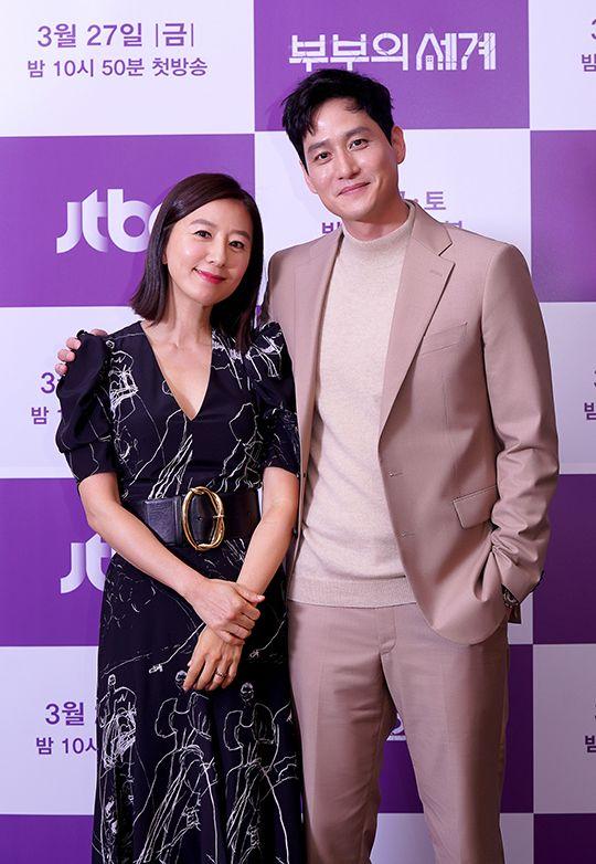 배우 김희애와 박해준이 26일 JTBC 드라마