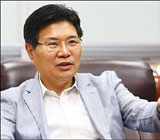 """홍문종 """"과열된 전당대회, 보는 사람도 아슬아슬"""""""