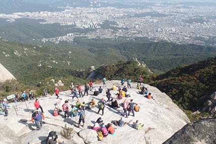 서울의 가을 하늘을 만끽하자 '북한산 백운대'