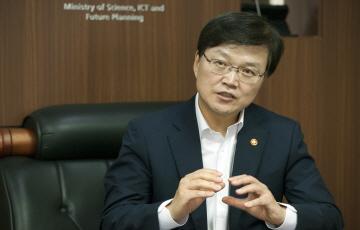"""최양희 """"창조경제혁신센터는 '구심점' 반드시 성공해야"""""""