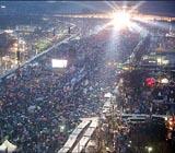 <font color=red>[박근혜 탄핵 인용]</font> 20주간 광화문 밝힌 '촛불', 평화시위 '신기원'
