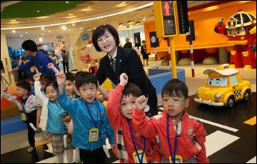 '현대 폴리 교통안전 놀이터' 오픈…무료 상시운영