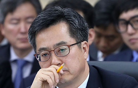 """[2017 국감] 김성식 의원 """"경제 뭣이 중한디, 복지 뭣이 급한디…정직하지 못해"""""""