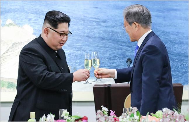 [데일리안 여론조사] 국민 74.4%, 北김정은 긍정평가