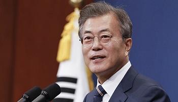 문재인 대통령 지지율 소폭 상승한 72.5%