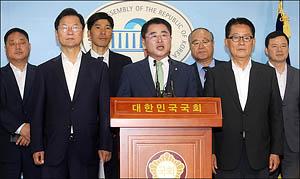 최경환, 좌우 날개로 박지원-천정배 두고 당대표 도전
