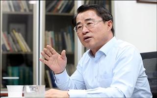 "[D-폴리Talk] 최경환 ""협치내각 전제는 선거제도 개혁"""
