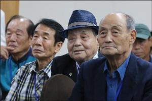 할아버지 된 두 살배기 아들…65년 만에 만나는 이산가족 사연은