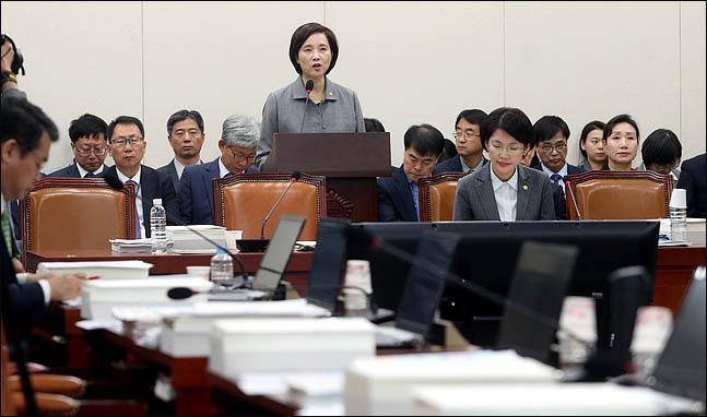 [2018 국정감사] 한국당 교육위 '유은혜 패싱'…차관에 질의