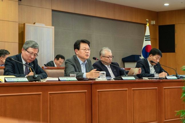 김광수 농협금융 회장, 토론 중심 성과분석회의 개최