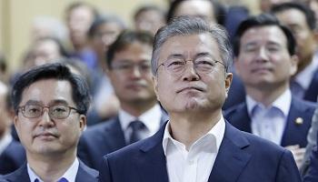 文대통령 지지율 59.3%…'평양반등' 후 2차조정기