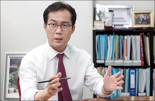 [원내대표후보 연속인터뷰-3] 초선이 묻고, 김영우가 답하다