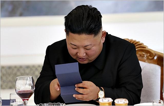 김정은 연내답방 무산론 '솔솔'...남한에 들고올 '선물' 없나