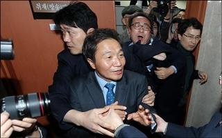 이학재, 한국당 복당…'진흙탕 싸움' 번지나