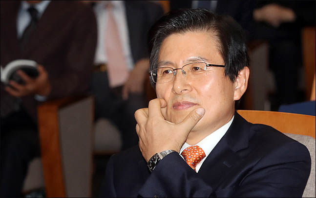 황교안 한국당 전대 출마…민주당에 호재이자 변수?