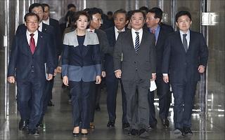 '정치 신인' 황교안 등판…단숨에 대권주자 반열