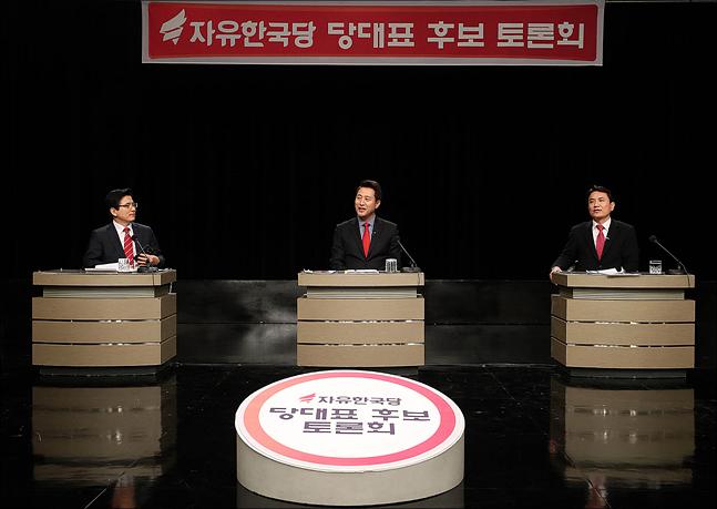 황교안←오세훈←김진태…'물고 물렸던' 첫 TV토론
