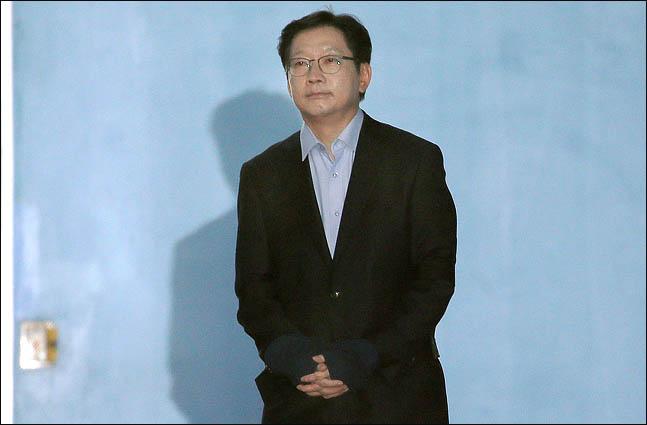김경수, 자기 인터뷰 '드루킹 댓글 작업'했는데도…민주당