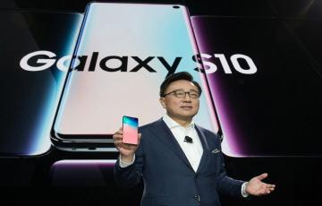 [갤럭시 언팩 2019]삼성, 10년 혁신 집대성한 S10 공개...5G·보급형 모델도 선봬