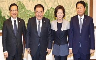 [데일리안 여론조사] 민주당 39.3%, 한국당 26.6%, 바른미래 7.3%