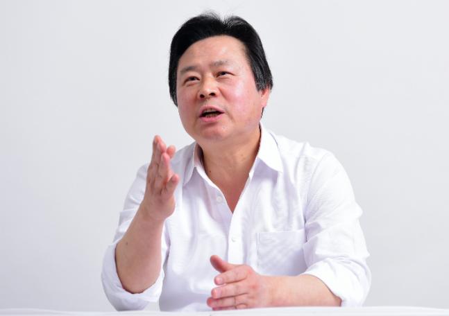 """[창원성산 후보인터뷰] 강기윤 """"'와 이리 묵고살기 힘드냐'는데…심판해야"""""""