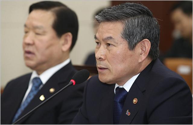 국방장관이 '북한 대변'?…