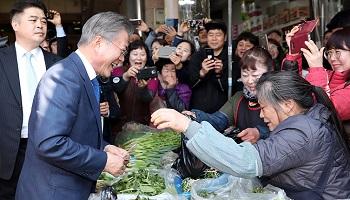 '기관총 사진' 6장 공개…靑 과잉경호 논란에 '과잉대응'?