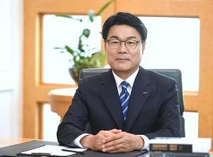 [CEO가 뛴다-28] '신사업·젋은피'로 100년 포스코 준비하는 최정우 회장