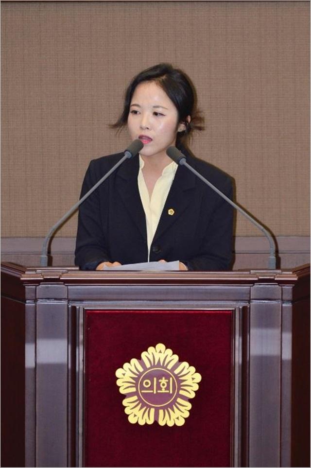 """여명 서울시의원 """"제로페이, 공무원 피땀으로 실적 올려"""""""