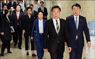 손학규의 반격...국민의당 출신 전·현직 위원장