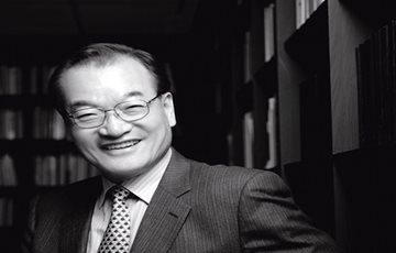 [CEO가 뛴다-39] 윤영달 크라운해태제과 회장…경영에 예술을 입히다