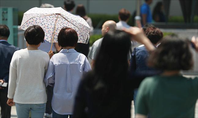 [오늘날씨] 낮 최고 35도…수도권 등 미세먼지 '나쁨'