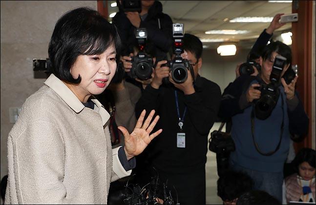 손혜원 페이스북은 지금…'3000자 입장문'부터 '김성태 저격'까지