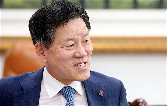 """[인터뷰] 주승용 """"文정부 국정실패…'제3지대 신당' 블랙홀될 것"""""""