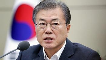 文대통령 지지율 47.9% vs 부정 47.1%…오차내 '팽팽'
